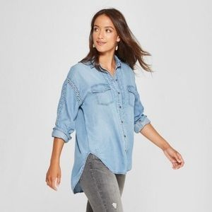 Knox Rose Chambray Button Down